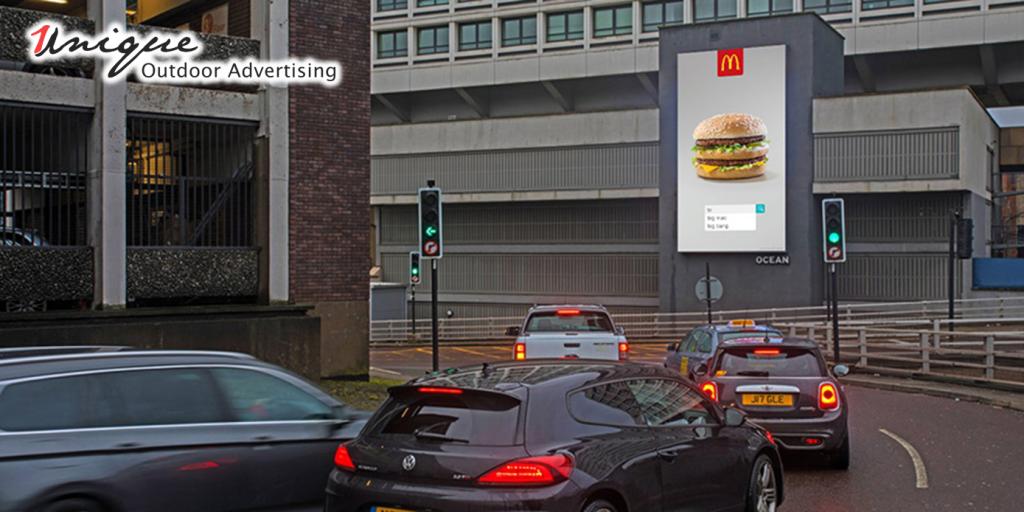 quảng cáo kỹ thuật số ngoài trời