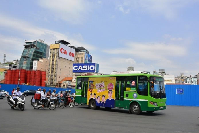 quảng cáo trên xe buýt