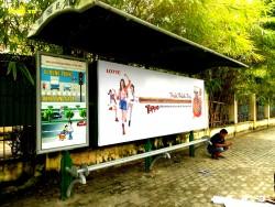 Quảng cáo nhà chờ xe buýt đối diện 47 Lê Quý Đôn