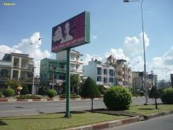 Quảng cáo biển hộp đèn đường Nguyễn Ái Quốc