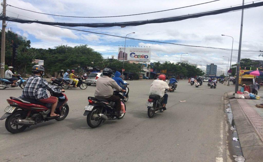 Quảng cáo Pano tại ngã 4 Nguyễn Hữu Thọ - Lê Văn Lương
