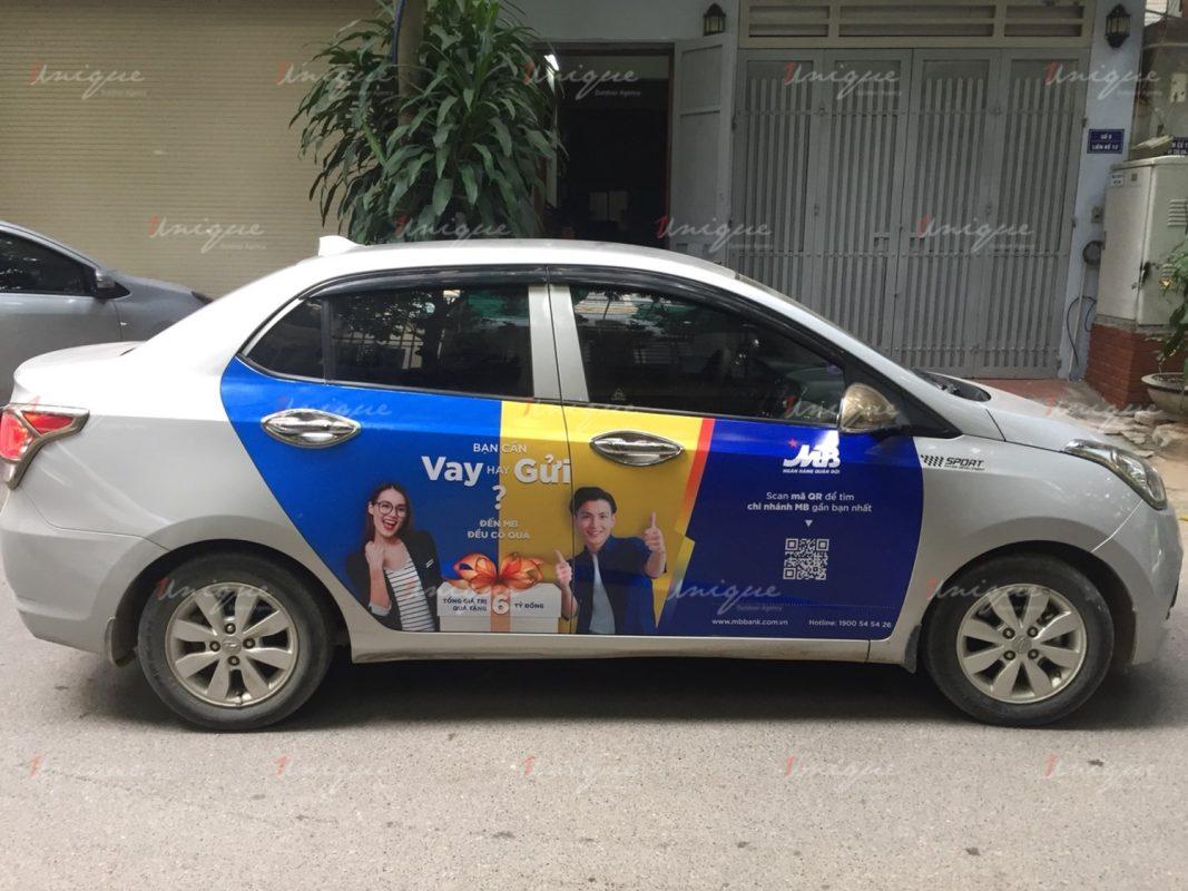 MBbank quảng cáo trên xe ô tô