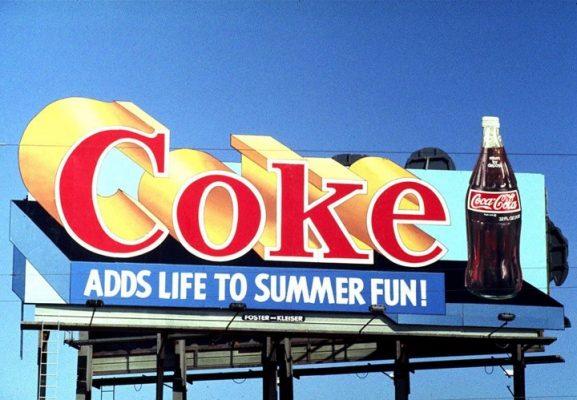 coca-cola quảng cáo ngoài trời