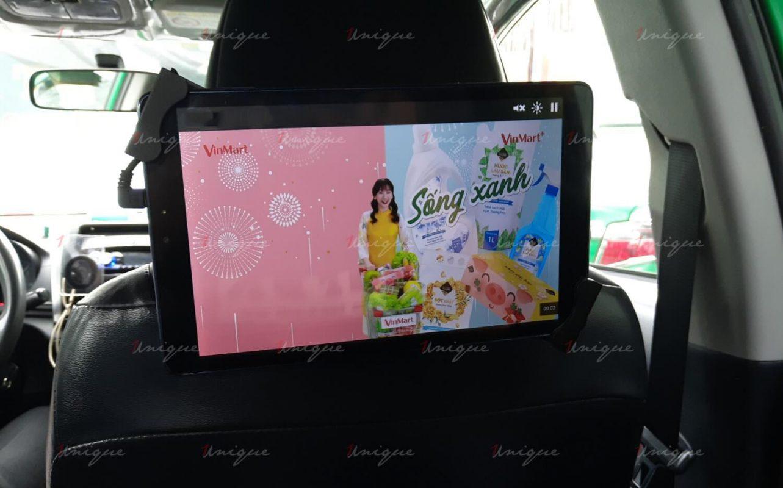 quảng cáo màn hình kĩ thuật số trên phương tiện giao thông