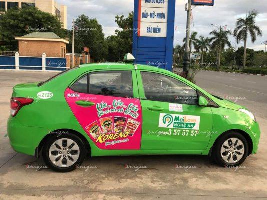Mỳ cốc Koreno quảng cáo trên taxi