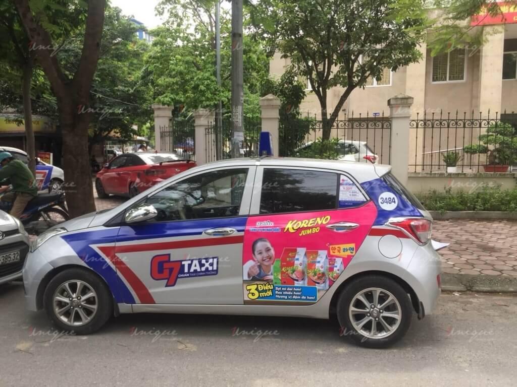 koreno rong biển vị ngao quảng cáo trên taxi