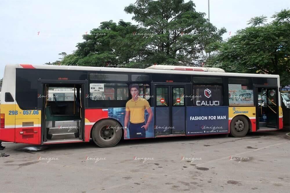 thời trang nam caluci quảng cáo trên xe bus